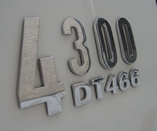 international 4300 dt466 emblem