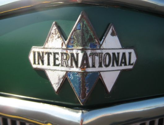 international icon emblem c35 36