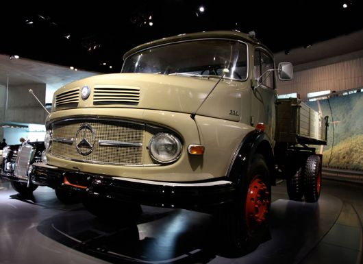mercedes benz lk338 kipper 1 60