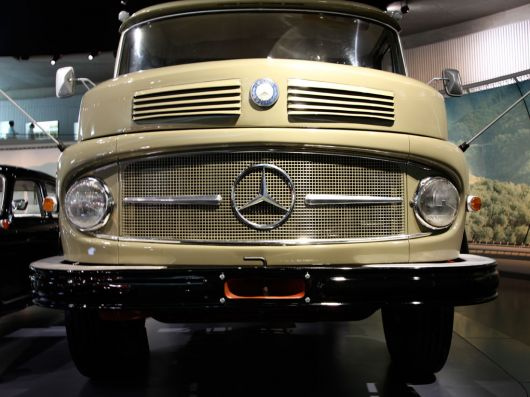 mercedes benz lk338 kipper 3 60