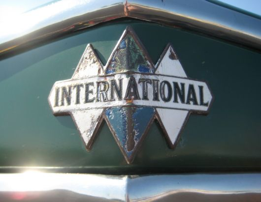 international icon emblem c35 2 36